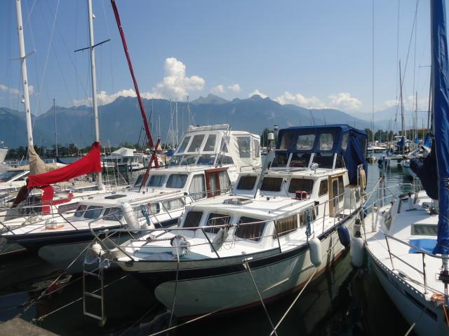 2 capotes de bateaux réalisées par nos soins